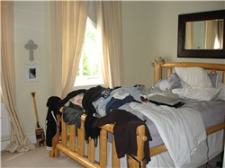 home staging bedroom picture