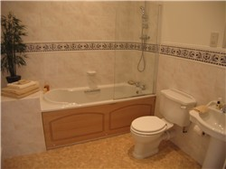 bathroom after home staging picture