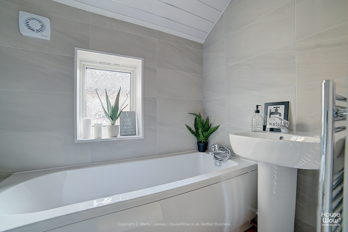 14 Bathroom Home Staging Halifax