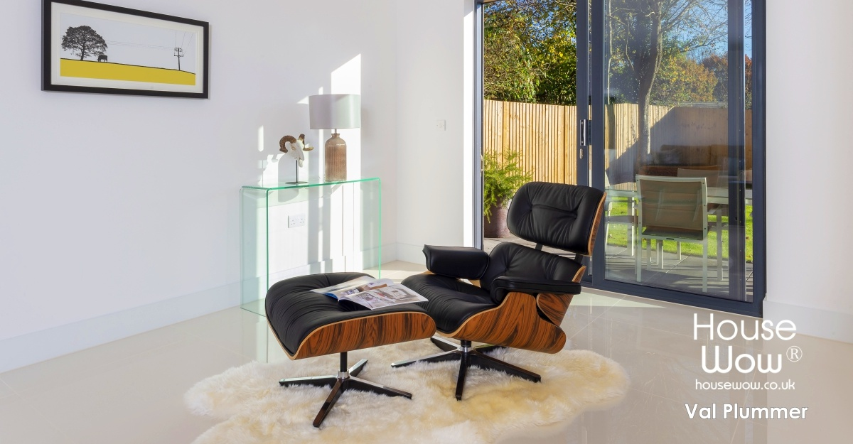 show-home-feature-chair