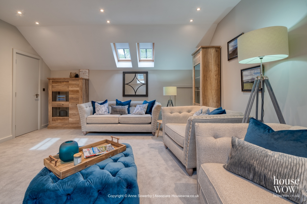 Lounge staging in classic luxury