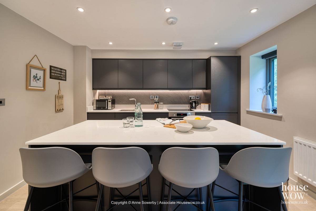 A Home Stager dressing a kitchen