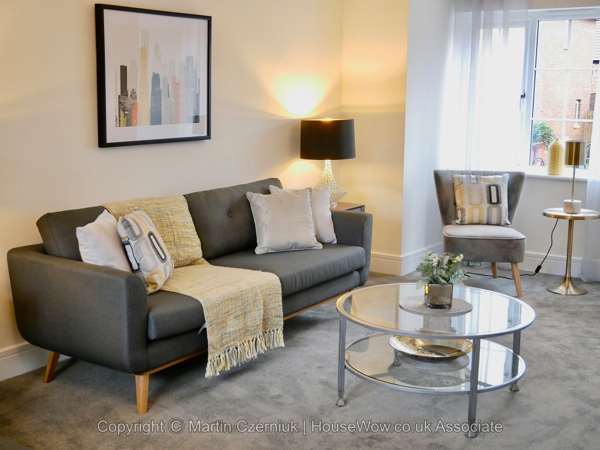 2 Lounge after Home Staging