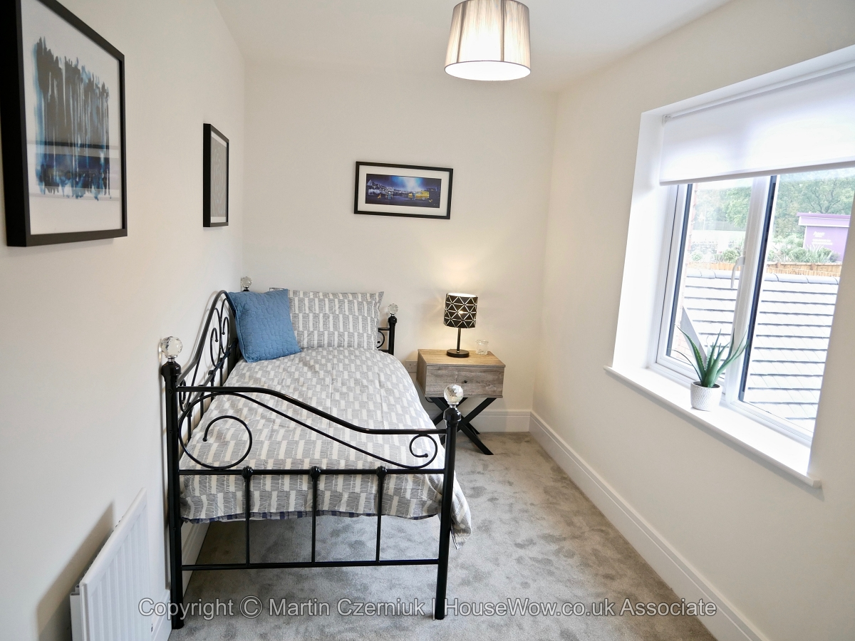 22 Day bed used for Home Staging