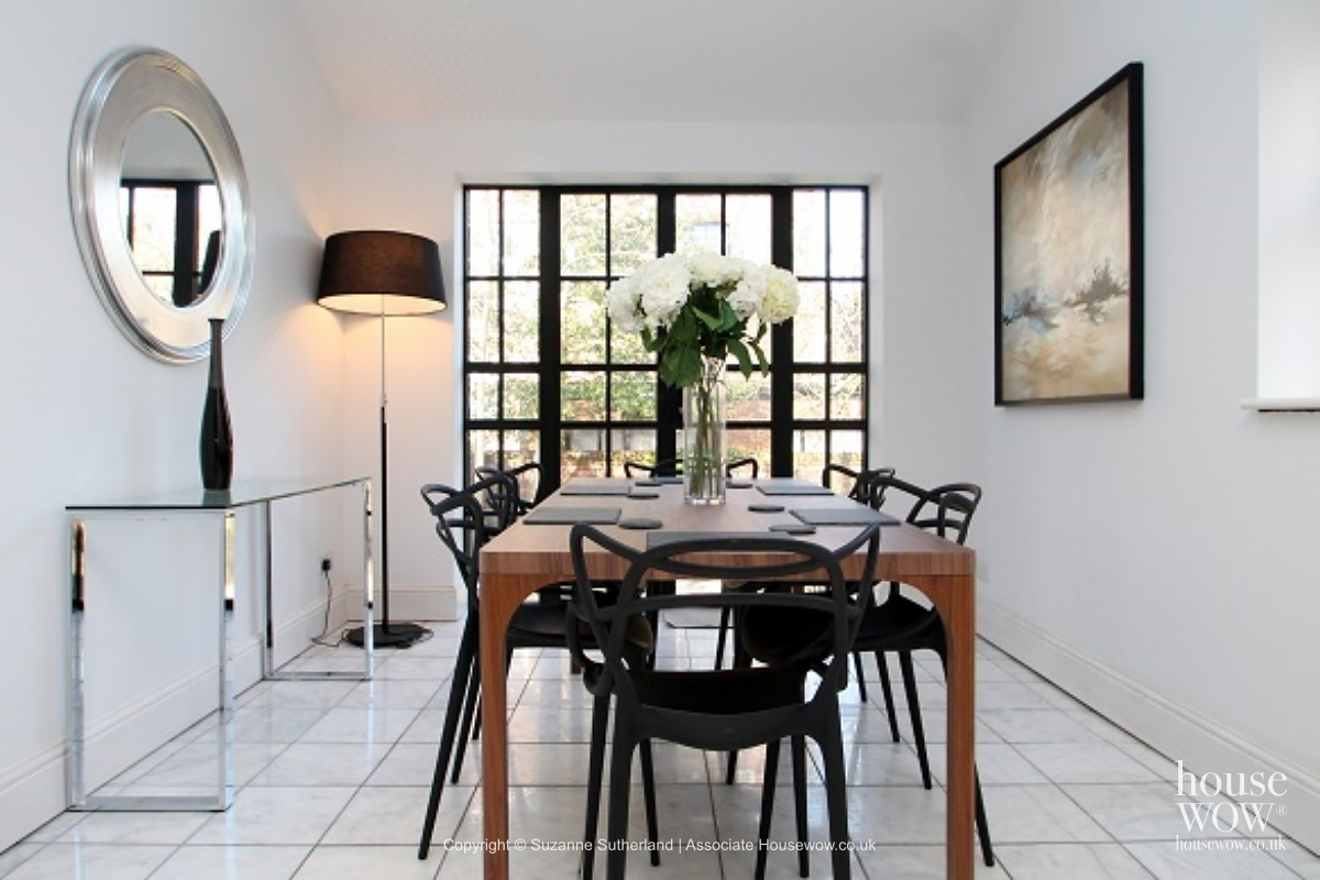 Dining room Home Staging with rental furniture